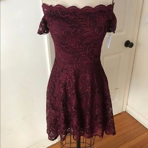 Windsor off shoulder high low lace dress NEW small